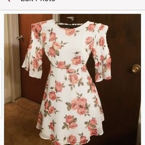 Romantic Floral Dress Flowy Sleeves NWOT